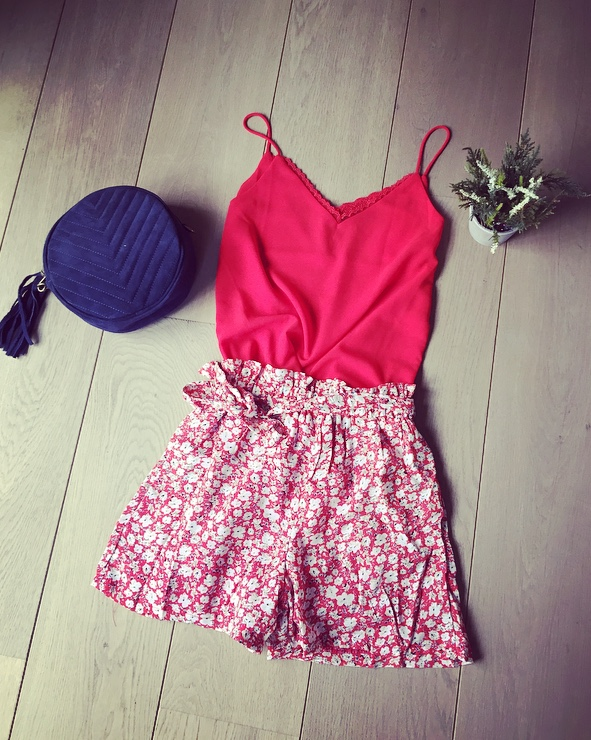 a87c12fa93 Short fluide fleuri rouge Alata – whynotclothes.be
